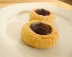 chocolate-thumbprints-up close