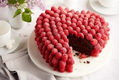 Chocolate Raspberry Heart Cake