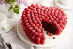 Chocolate Raspberry Heart Cake